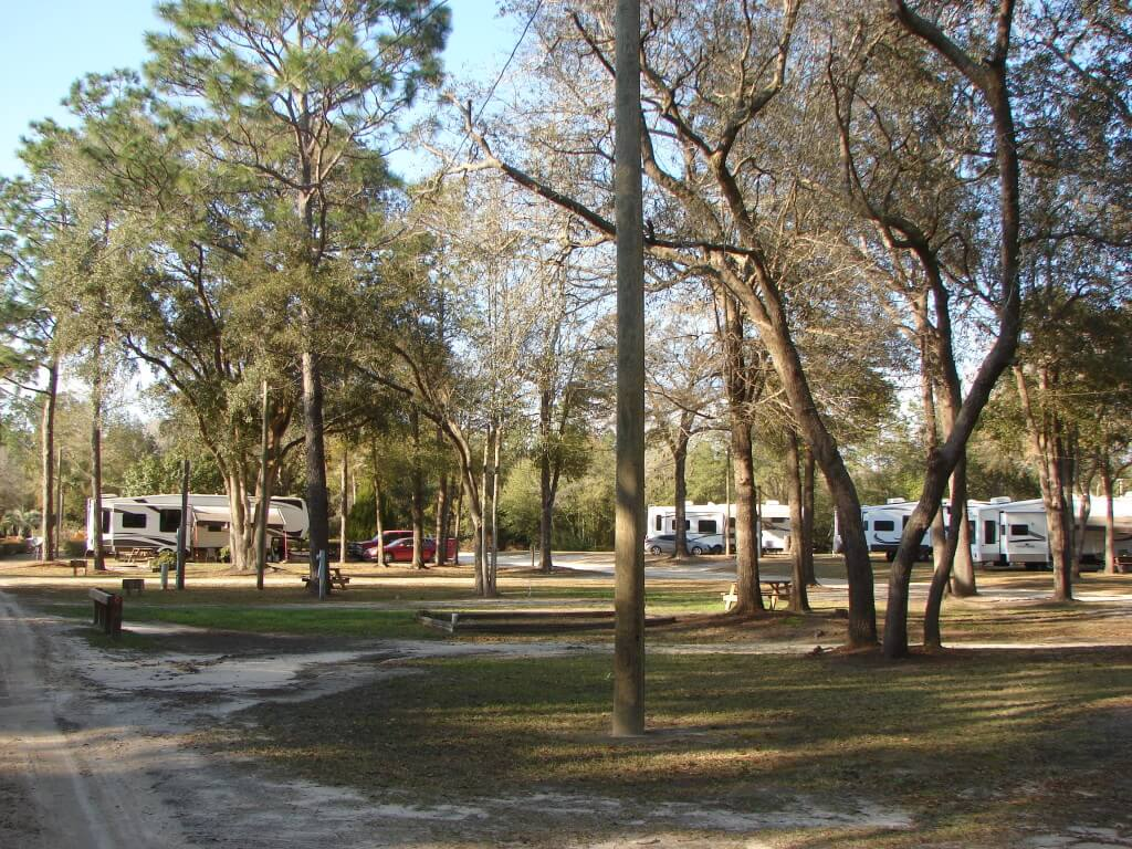 River's Edge RV Campground - Good Sam Park - Holt